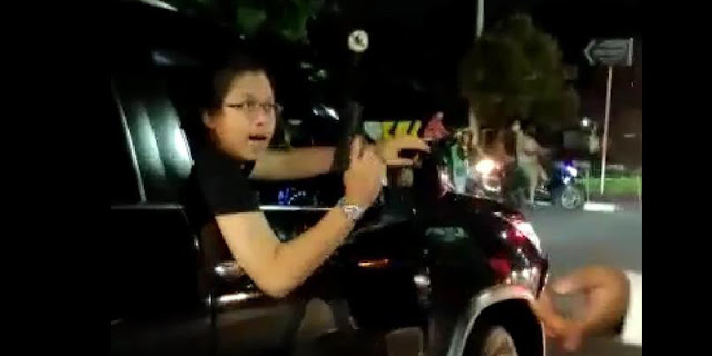 Pengendara Fortuner Yang Todongkan Pistol Ditangkap Di Parkiran Mall