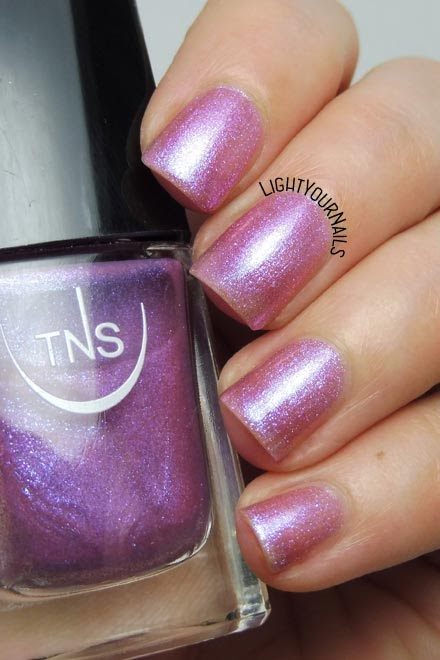 Smalto rosa iridescente TNS 542 Villa Imperiale (collezione Lungomare) pink iridescent nail polish #nails #unghie #TNScosmetics #lightyournails