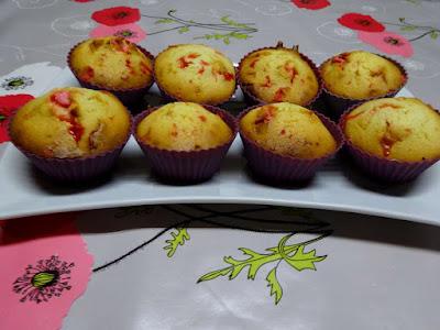dessert muffins vanille chocolat blanc pralines roses gâteau pâtisserie