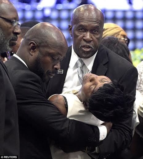 Orlando Nightclub Shooting Bodies: Photos: Heartbreaking Moment Mother Of Orlando Massacre