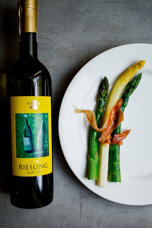 Wino i szparagi