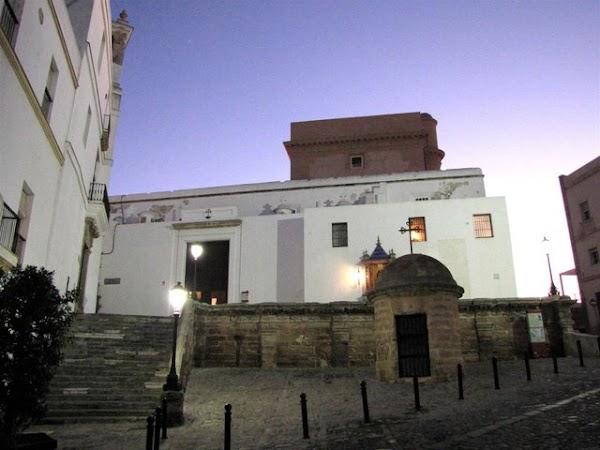 Filtraciones de Agua en la Iglesia de Santa Cruz de Cádiz