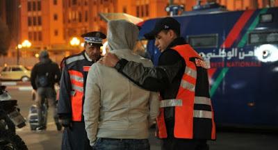 أمن مراكش يطيح بثلاثيني ينتحل صفة شرطي للنصب على ضحاياه