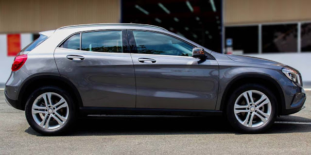 Mercedes GLA 200 2018 sử dụng Mâm xe 19-inch, 5 chấu với hai màu tương phản