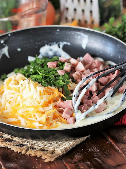 How to Make Creamy Ham & Cheese Spaghetti Image