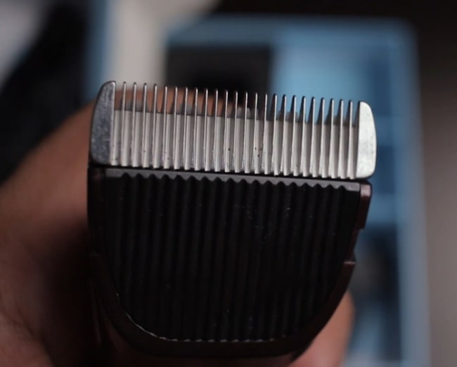Titanium blade of Groomiist PT-222 trimmer.