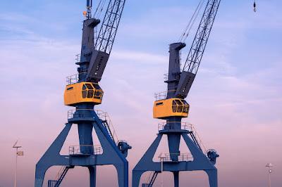 gru-cantiere navale