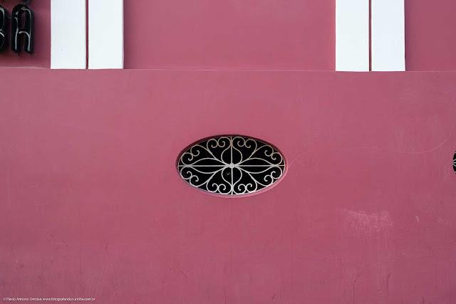 Casa na Rua Alfredo Bufren - detalhe da grade no porão