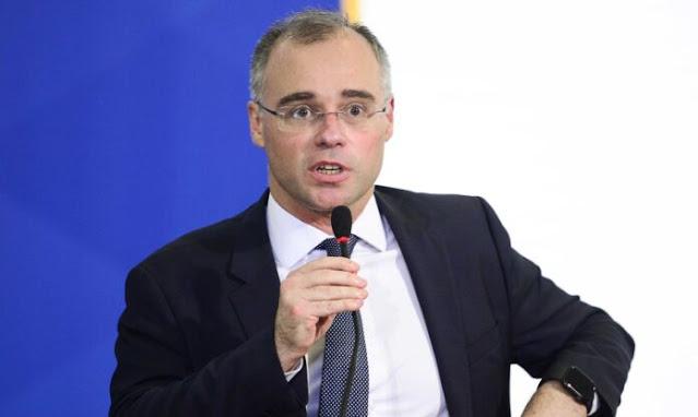 Senadores acionam o STF para exigir sabatina de Mendonça