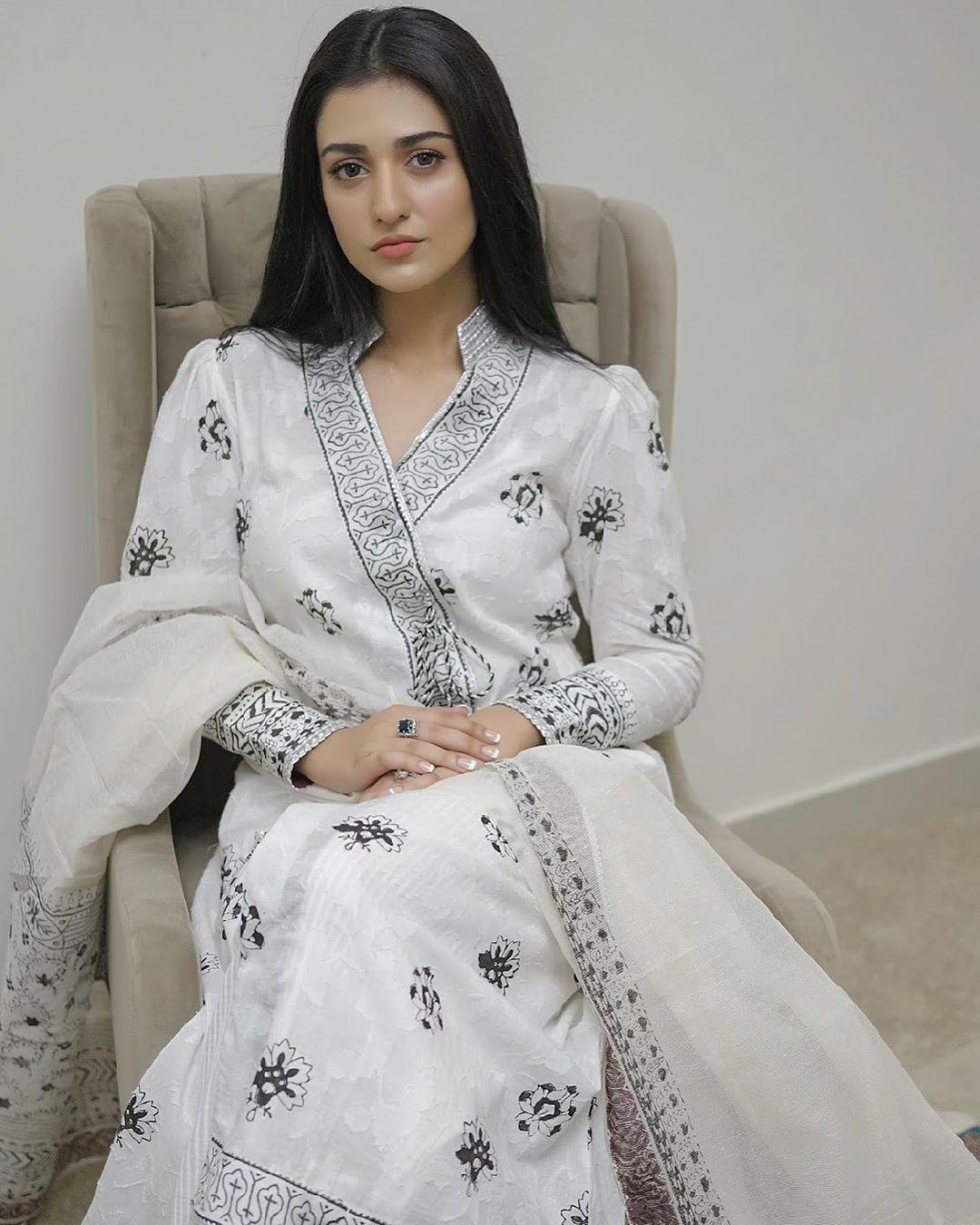Sarah Khan New Random and Naturally Beautiful Pictures