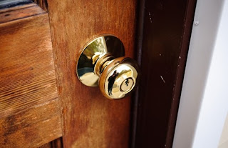 Brass doorknobs are antibacterial