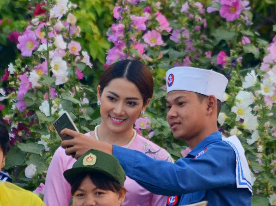 May Barani Thaw Attends Myanmar Armed Force Day 2017