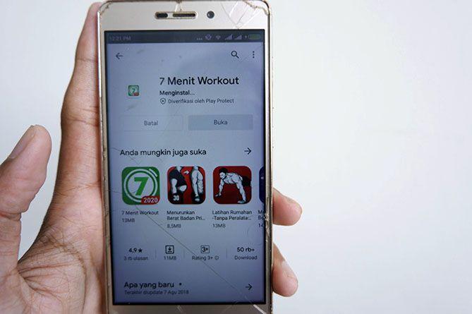 Aplikasi yang terbeli otomatis terinstal