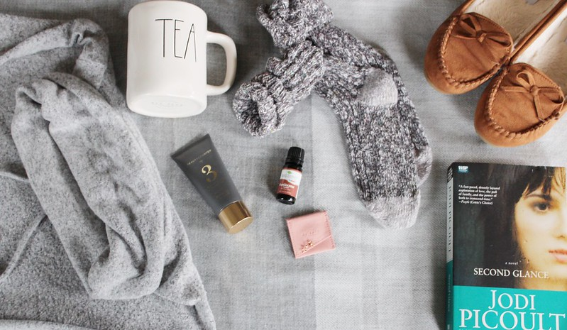 Little luxuries // self care to prepare for the New Year on Work it Mommy blog