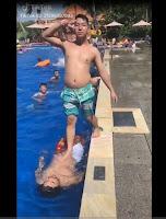 Đang đi bơii gặp con đũy mình ghét :v