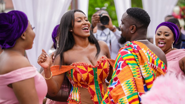 Being a hub for fashion and antique prints, Ghanaian African wear styles have always been outstanding and appealing to the eyes.