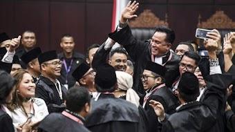 Hasil sidang MK: Hakim menolak gugatan permohonan Prabowo-Sandiaga