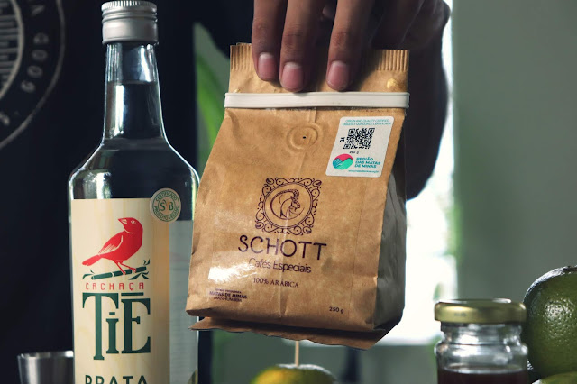 Caipirinha de Laranja com Cold Brew