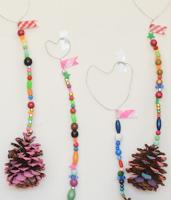 http://mericherry.com/2015/11/16/nature-craft-wall-hangings/