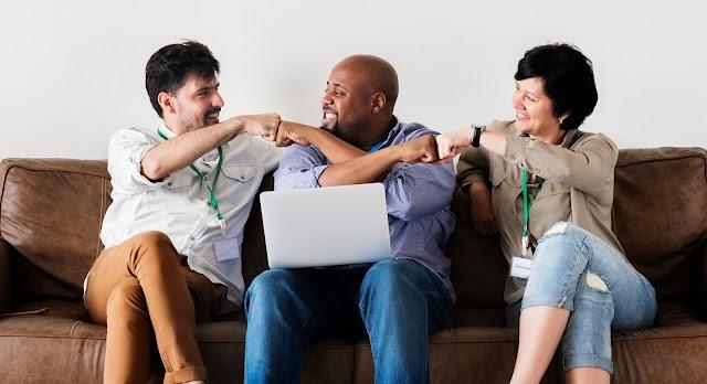 Empresários de Foz criam aplicativo para ajudar autônomos a encontrarem trabalho