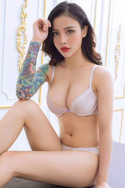 Hot and sexy big boobs photos of beautiful busty asian hottie chick Chinese booty model Wen Wen photo highlights on Pinays Finest sexy nude photo collection site.