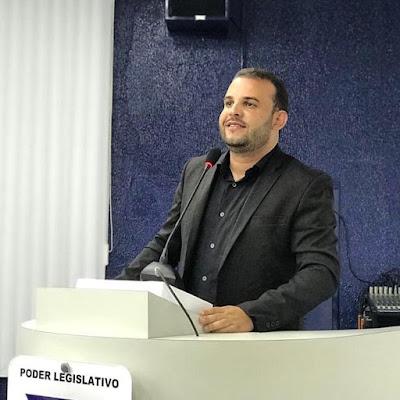 VEREADOR MAX DE ZÉ DE TOINHO DIZ QUE MUNICÍPIO RETOMARÁ OBRAS PARA CONCLUSÃO DA UNIDADE DE SAÚDE BÁSICA DO POVOADO ESTEIOS.