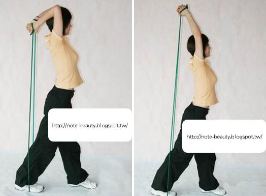 用三頭肌由上控制,再向下慢慢下放至90度左右。反復做這個動作2-3組,每組20次。