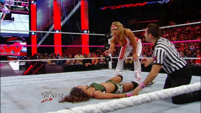 Beth Phoenix-AJ-WWE-WWE Divas