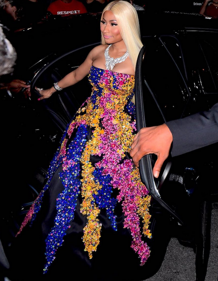 (Photos)Nicki Minaj Wears $50K Oscar De La Renta Dress And $950K Jewelry To Fashion Event.