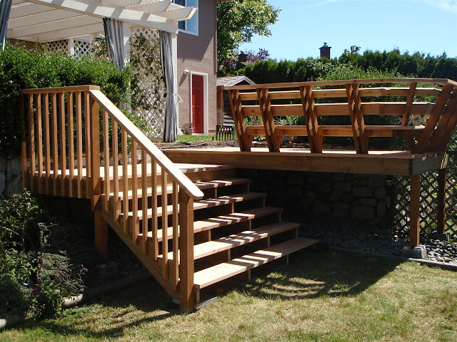 Decking Stairs_TopNotchReview