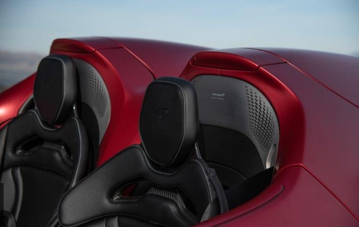 McLaren Elva Desain jok kemudi