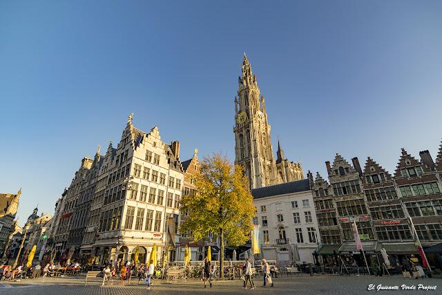 Grote Markt y Catedral - Amberes por El Guisante Verde Project