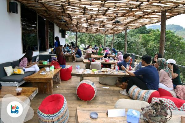 Wisata Kuliner di Punclut Bandung
