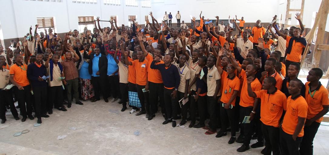 Wanafunzi 900 Wa Kidato Cha Tano Na Sita Mkoani Tabora Wapigwa Msasa Kuhusu Sekta Ya Angaa Na TCAA