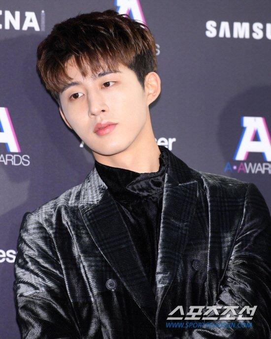 B.I Dispatch haberinden sonra iKON'dan ayrıldı ve YG ile olan kontratı iptal edildi