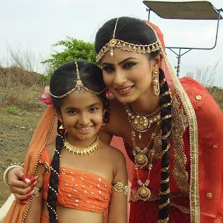 Anushka Sen with Mauni Roy
