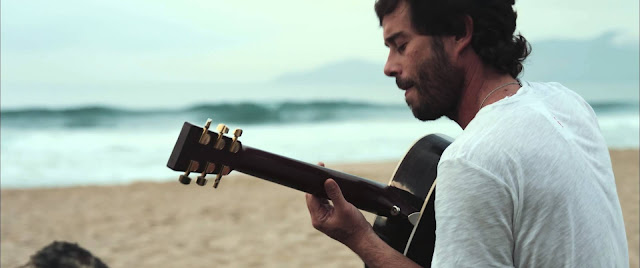 Página Musical - João Coiote cantando: De Frente Pro Mar