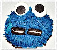 http://lostelaresdesil.blogspot.com/2013/04/cupcakes-triki-monstruo-de-las-galletas.html
