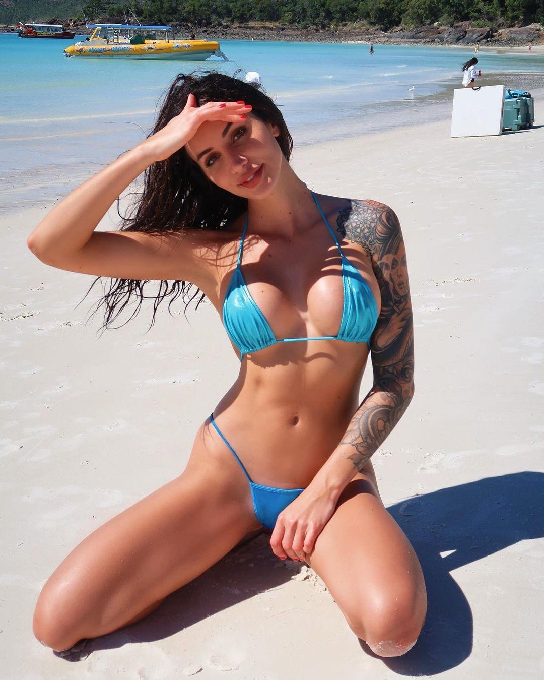 Vanessa Sierra é erotismo por todo o lado