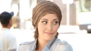 chemotherapy hair loss woman