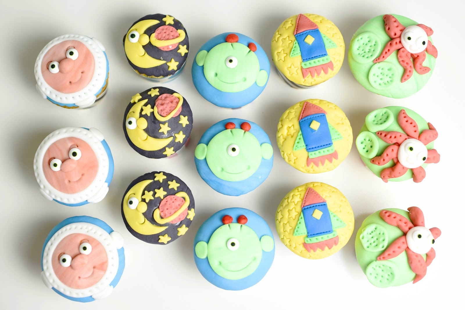 Kessy S Pink Sugar Weltall Muffins Mit Nutellakern Zur Kita