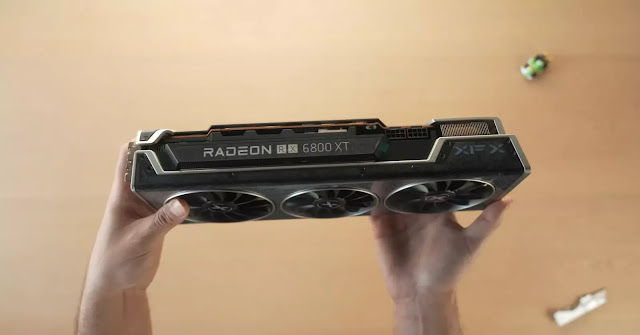 XFX-Radeon-RX-6800-XT-Speedster-MERC-319-Top-View