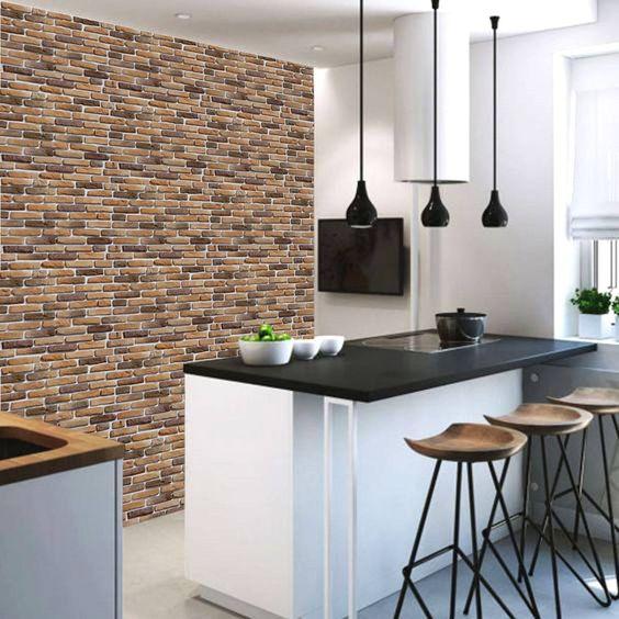 cozinha com papel de parede de tijolinho aparente