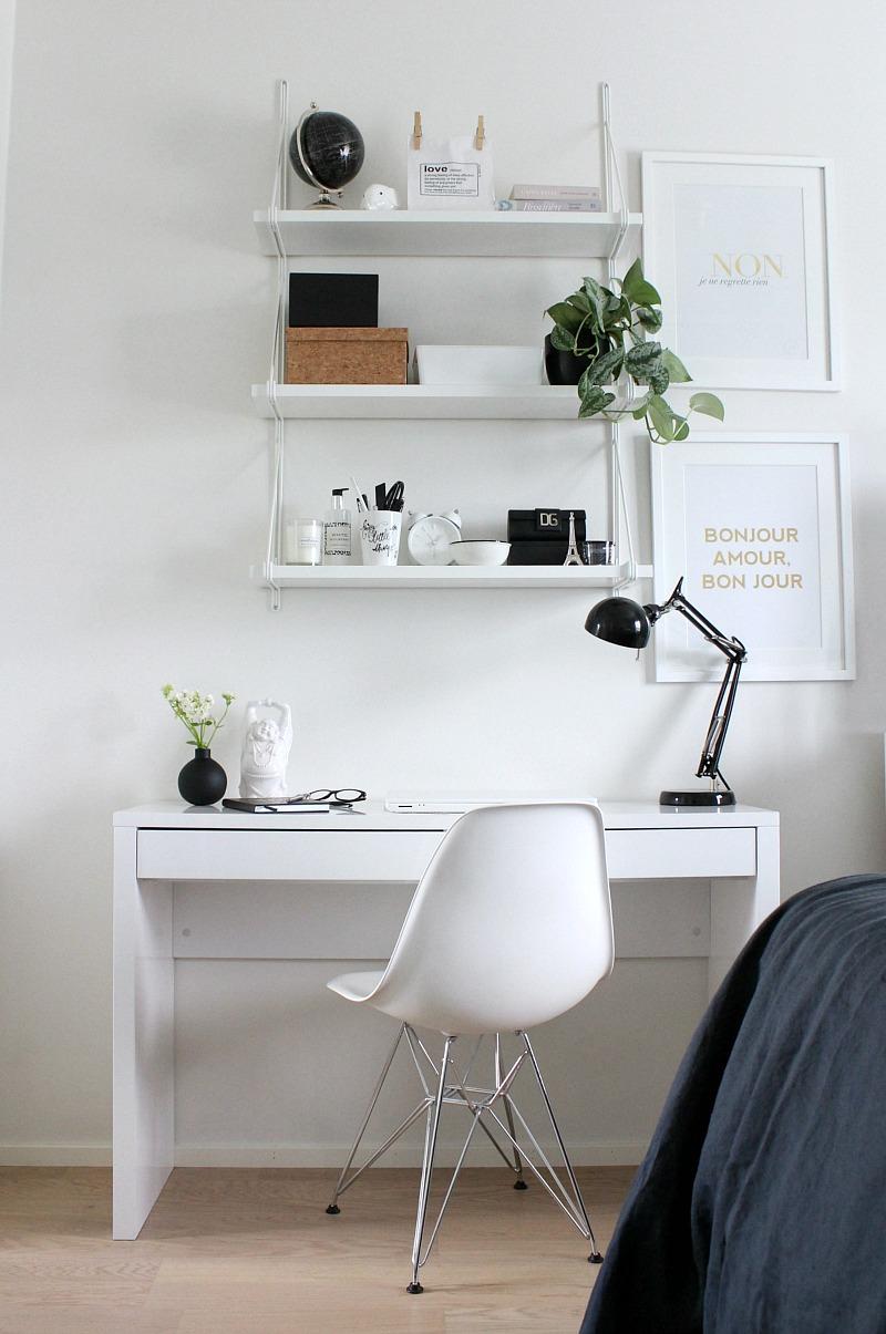 valkoinen työhuone