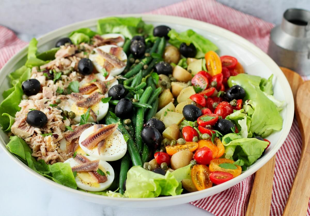 Salade Niçoise with anchovies
