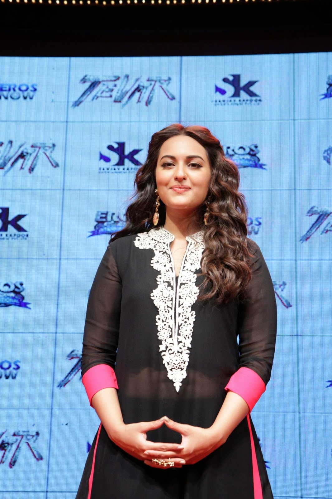 Bollywood Glamorous Chubby Actress Sonakshi Sinha Smiling Face In Black Gown