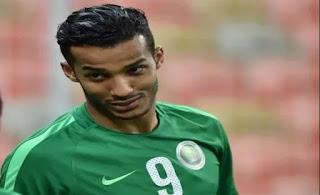اللاعب السعودي  نايف هزازي يثير الضجة شاهد السبب