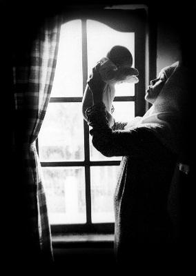 Dan langitpun seakan mampu gambarkan jiwaku.. Jiwa yang rindu akan belaian kasih ibu.. Sudah lama tak kudekap kasih hangatnya.. Yang selalu mendamaikan jiwa dan raga..  Ibunda.. Maafkan anandamu.. Yang lama tinggalkanmu.. Hanya doa tulus untukmu ibu.. Semoga Tuhan selalu melindungimu..  I love u Mum..  Karya: Dewi Pelangi   KERINDUAN UNTUK IBU