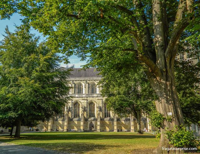 The Close, antigo bairro eclesiástico no entorno da Catedral de Winchester