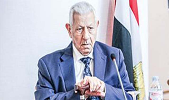 وفاة الصحفي مكرم محمد أحمد مكرم